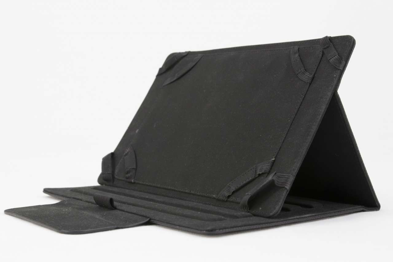 """CAPTIVA Tablettasche 20,3cm (8"""") - schwarz"""